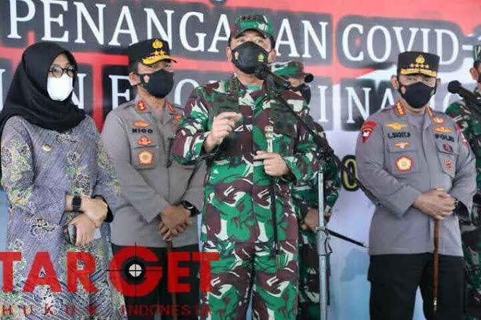 Panglima TNI Marsekal Hadi Tjahjanto Tinjau Serbuan Vaksinasi di RSNU Banyuwangi