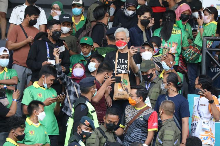 Tim Sepak Bola Jateng Dikalahkan  Jatim 0-3 di PON Papua