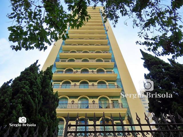 Perspectiva inferior da fachada do Edifício Paço do Grão Pará - Jardim Paulista - São Paulo