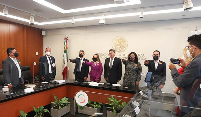 Rinden protesta cuatro integrantes del Comité de Participación Ciudadano del SNA