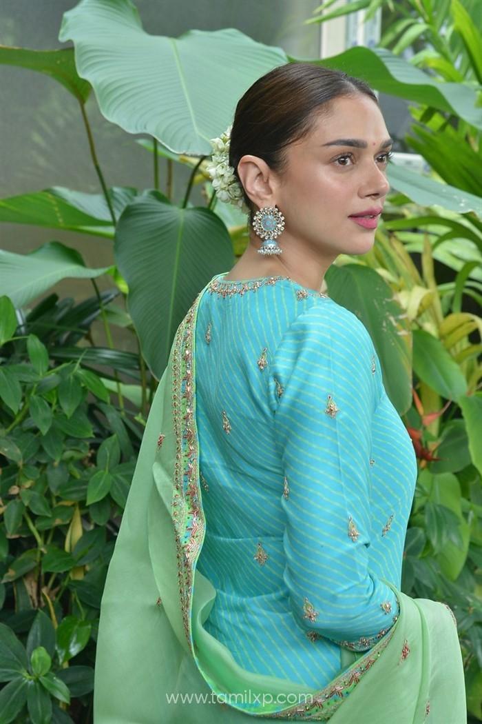 Aditi Rao Hydari New Stills