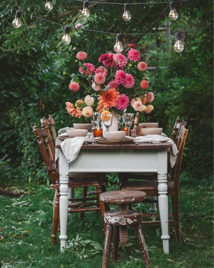 A Pretty Outdoor Autumn Table Setting