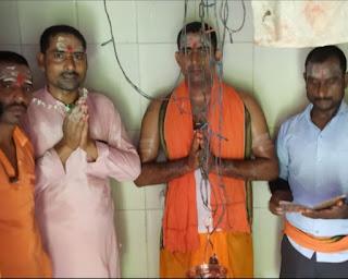 गुलरेश्वर महादेव मंदिर में संपन्न हुआ रुद्राभिषेक कार्यक्रम    #NayaSaberaNetwork