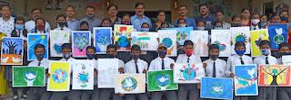 बच्चों ने बनाया शांति व एकता को दर्शाने वाले पीस पोस्टर्स  | #NayaSaberaNetwork