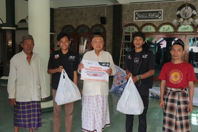 Peringati Kemerdekaan RI, MRI Jepara bagikan 1.945 Porsi Makan Gratis | PkiranSaja.com