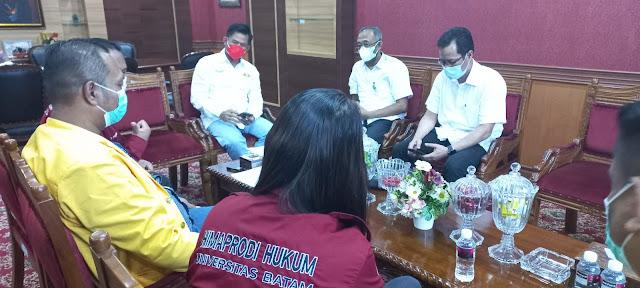Gelar Audensi, Himaprodi Hukum Uniba Undang Nuryanto Jadi Narasumber Kegiatan LDKM
