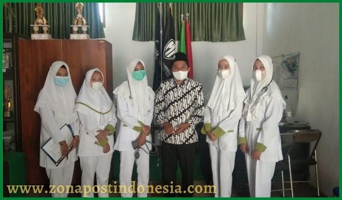 HMJ Keperawatan Stikes Bhakti Al-Qodiri, Lakukan  Pengabdian Masyarakat Di SMK Manbaul Ulum Tangsil Wetan Wonosari Kabupaten Bondowoso.