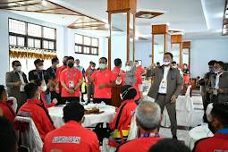 Andi Sudirman Sulaiman Semangati Kontingen Sulsel Saat Pembukaan PON XX Papua