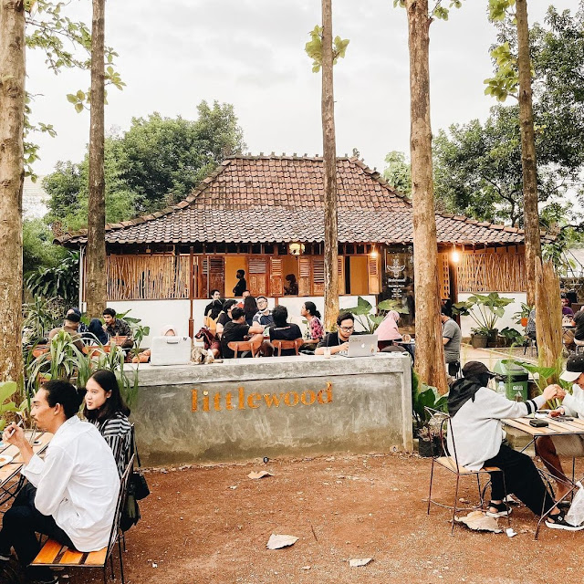 Littlewood Coffee Ciangsana Bogor