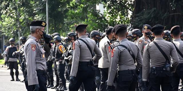 Ribuan Polisi Kawal Sidang Kasasi Habib Rizieq di MA