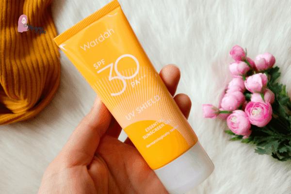 Review Wardah UV Shield Essential Sunscreen Gel SPF 30 PA+++