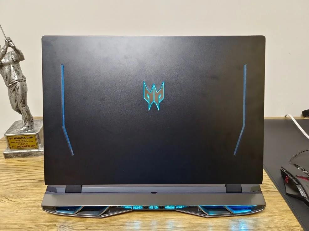 Acer Predator Helios 500 Predator's Logo at the Back