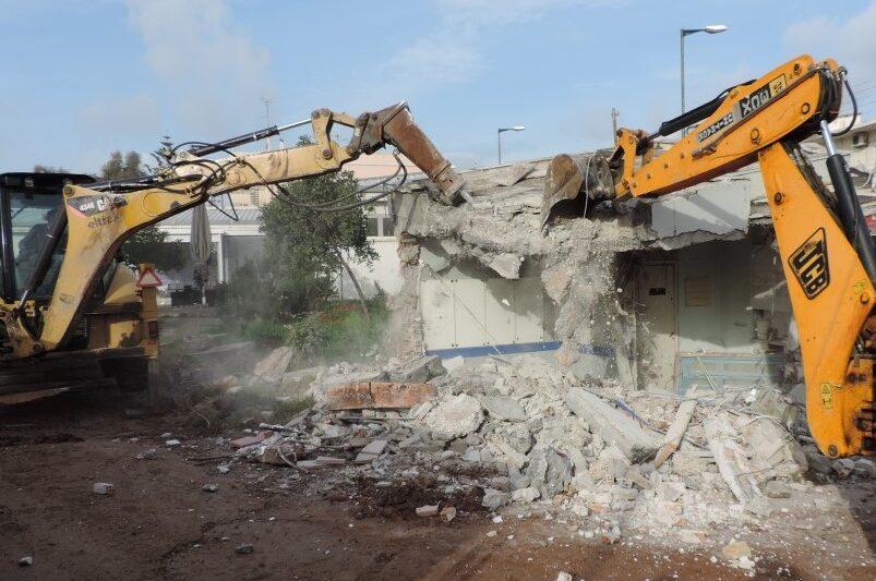 Σε κατεδάφιση επικίνδυνων κτισμάτων  για εξωραισμό της πόλης προχωρά ο Δήμος Καλαμάτας