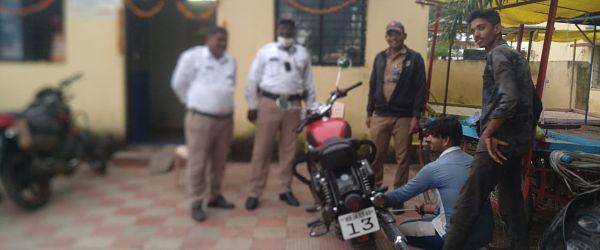 अबब.... ९ महिन्यात ४२ हजार वाहन चालकाकडून २ कोटी रुपयांचा दंड वसूल