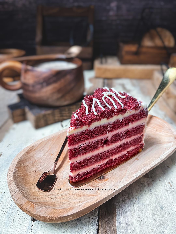 red velvet cake mcdonalds