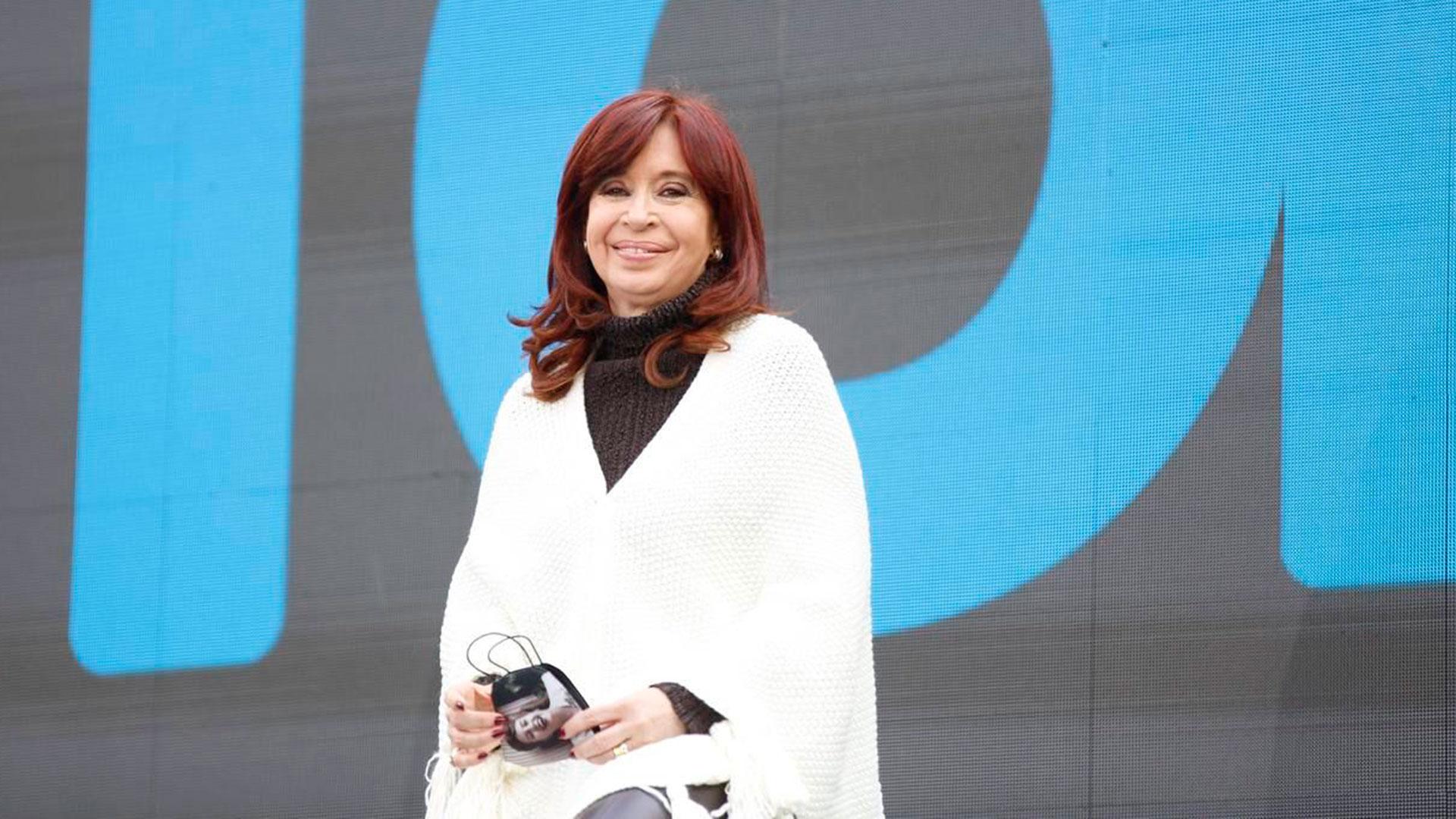 Este jueves por la tarde, el Tribunal Oral Federal 8 sobreseyó a todos los imputados en la causa por la firma del Memorándum con Irán, incluida la vicepresidenta Cristina Fernández de Kirchner.