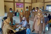 Jelang Pilkades, Camat Sukamulya Targetkan 75 Persen Warga Disuntik Vaksin