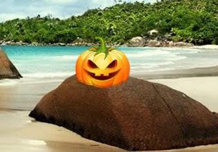 Play HiddeonOGames Halloween Pumpkin Beach Escape