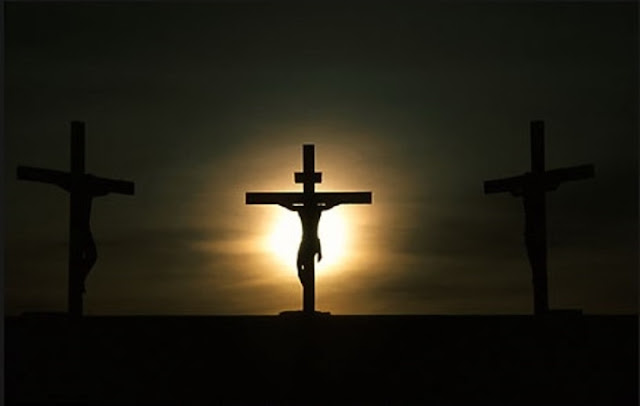 Viral Rumah Ustadz Dicoret Salib Hitam dan Tulisan Yesus