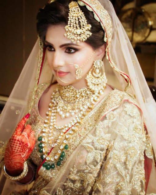 pakistani dulhan ka photo khubsurat dulhan pose