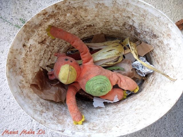 Kurioser Müll im Garten - Funny trash in our garden