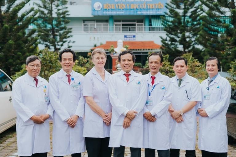 Đội ngũ bác sĩ tại bệnh viện Y Học Cổ Truyền Đà Nẵng