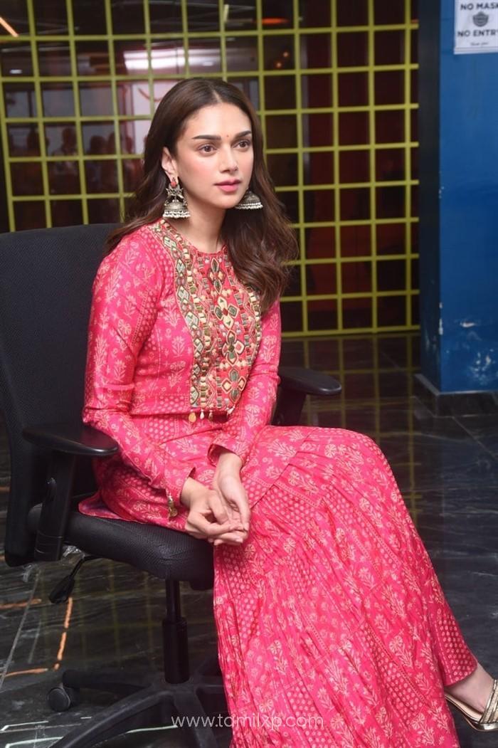 Aditi Rao Hydari Interview Pictures