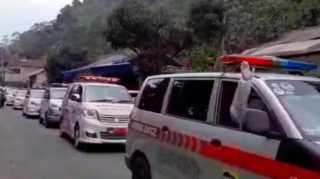 Viral, Ambulans Bawa Pasien Lansia Dihalangi oleh Mobil Pribadi di Jakarta Timur