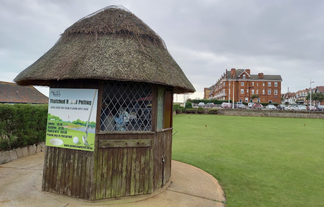 Thatched Roof Putting at Kirkley Cliff in Lowestoft