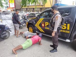 PPKM level II Polres Pelabuhan Makassar, Warga Swab Antigen dan dihukum Push Up