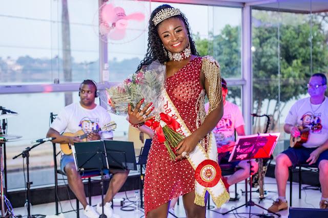 Tamara Carvalho é Coroada a Rainha de Bateria da Escola de Samba Triunfo Barroco
