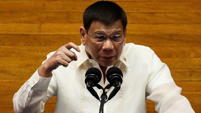 Duterte Usul Warga Filipina yang Tak Mau Divaksin Disuntik Saat Tidur