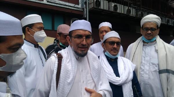 Eks Ketum FPI Bebas: Jangan Putus Doa, Habib Rizieq Masih Ditahan