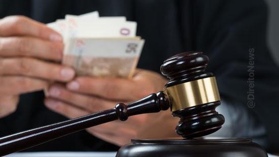 juiz beneficio crianca deficiente acumula auxilios
