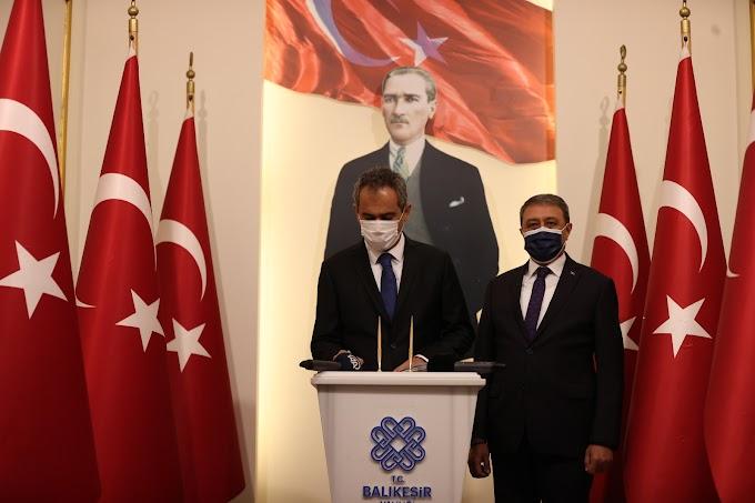 Milli Eğitim Bakanı Özer Balıkesir'de konuştu