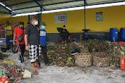 Wabup Kasta Kunjungi TPS3R Akah Asri, Ajak Warga Pilah Sampah Dari Rumah