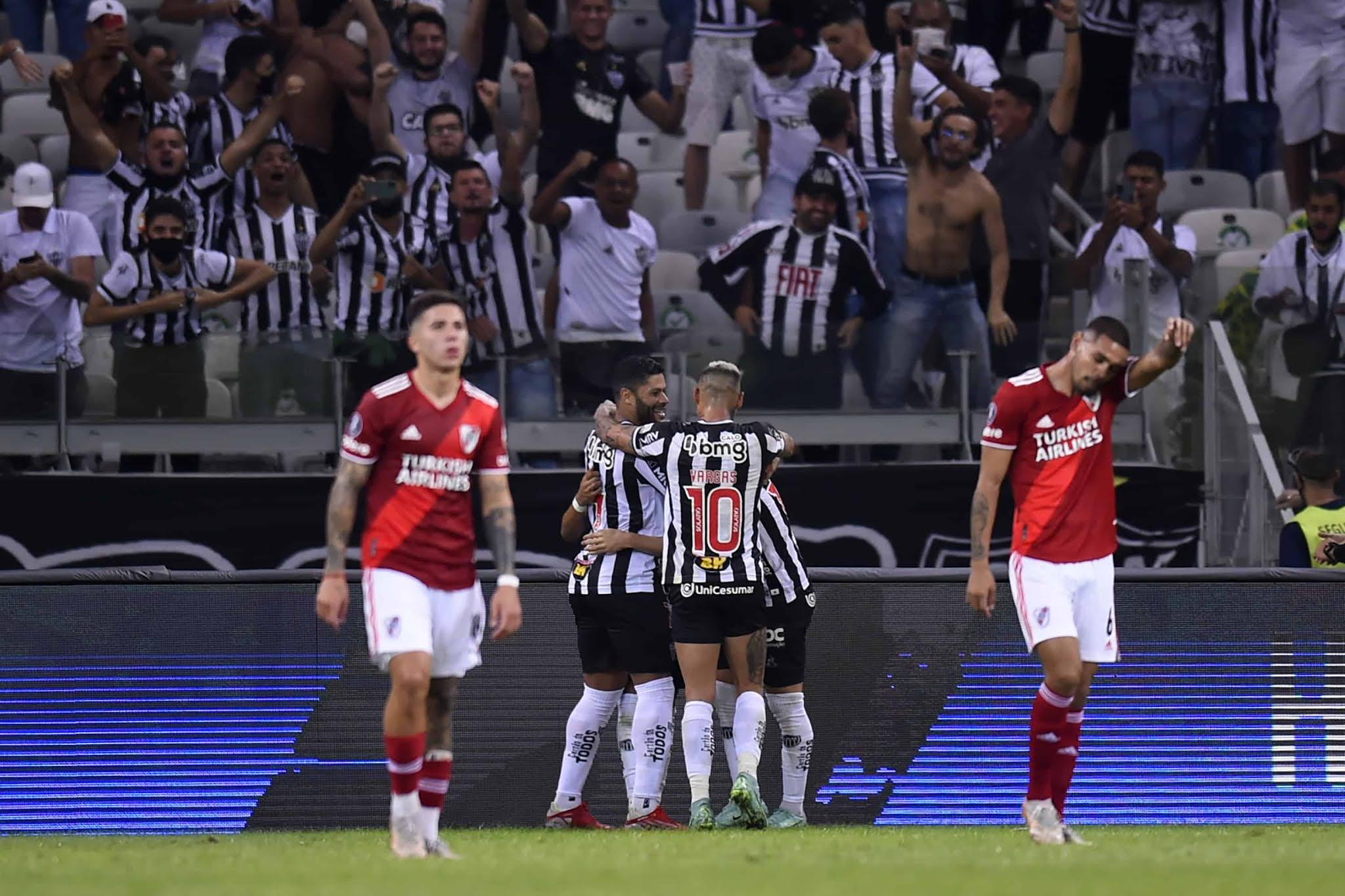 River estuvo muy lejos de la épica y Mineiro lo eliminó de la Copa Libertadores
