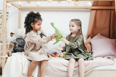 3 Ways Teach the Value of Sharing in Private Kindergarten