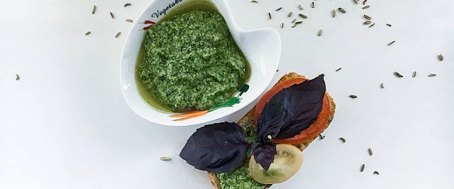 Classic Pesto sauce, with basil, without garlic recipe