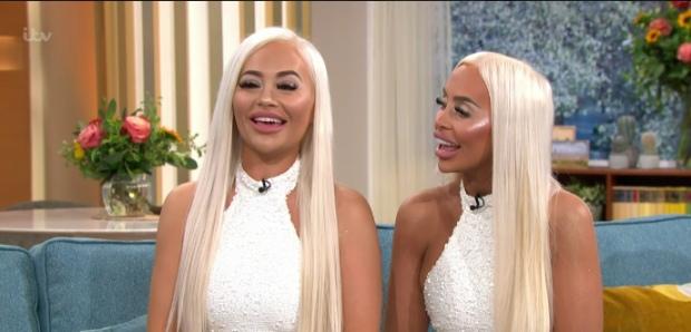 Сестры потратили 14 миллионов рублей на пластику ради одинаковой внешности