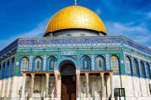 """المخابرات الإسرائيلية تقتحم منزل خطيب المسجد الأقصى بعد تصريحاته حول صلاة اليهود """"الصامتة"""