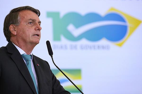 Presidente diz que determinará redução da bandeira tarifária na luz