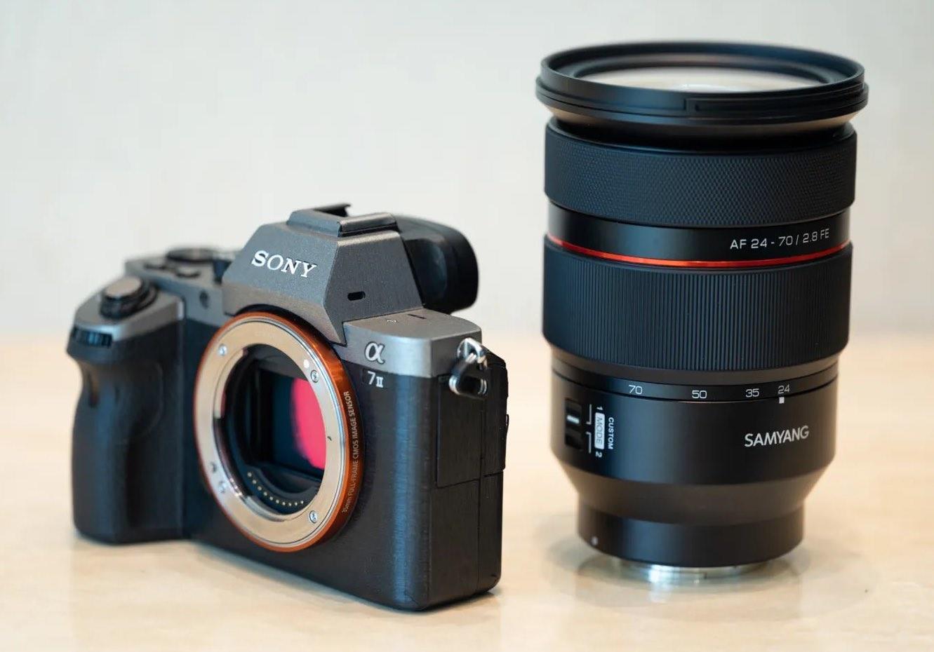 Зум-объектив Samyang AF 24-70mm f/2.8 FE с камерой Sony