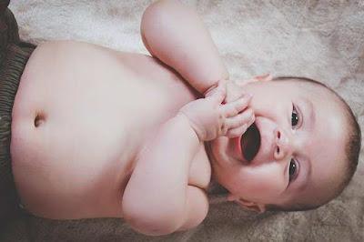 اكلات لعلاج الإمساك عند الرضع