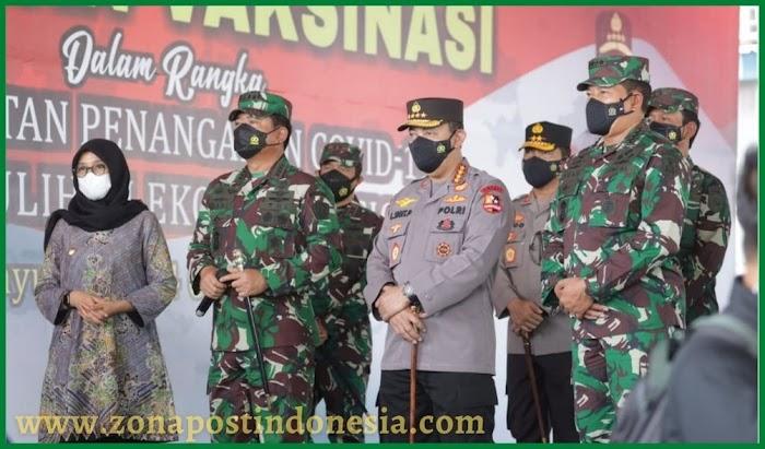 Percepatan Herd Immunity : Serbuan Vaksinasi Sasar 15.000 Warga Banyuwangi Dihadiri oleh Panglima TNI dan Kapolri
