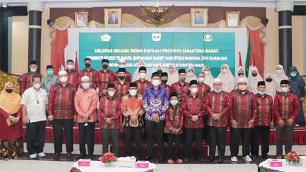 Kafilah Sumbar Dilepas ke STQH Nasional XXVI 2021 di Maluku Utara