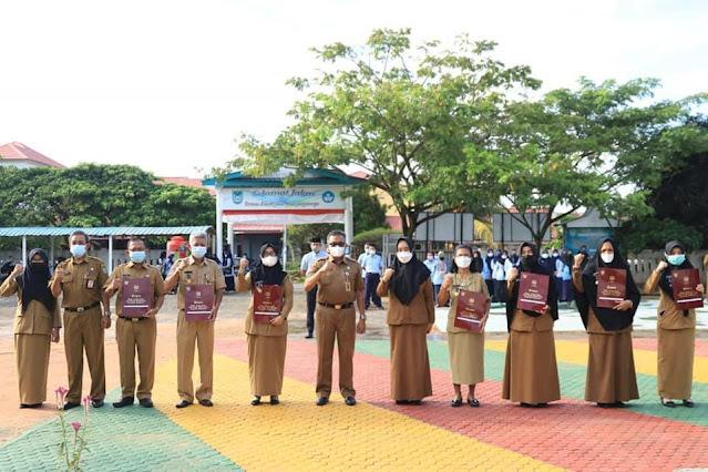 Sebanyak 164 Guru Menerima Penghargaan Satya Lencana Karya Satya