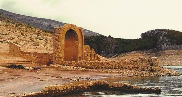 Хрватска: Пресушило језеро – изронила православна светиња
