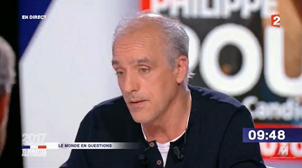 [VIDEO] Philippe Poutou Affirme Qu'il Faut Désarmer La Police : « Ca Ne Protège Pas, Ça Tue ! »