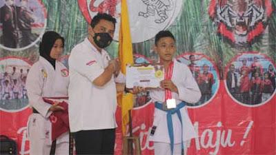 Luar Biasa! Karateka Kebumen Sabet Lima Medali Emas di International Karate Championship UNJ X 2021